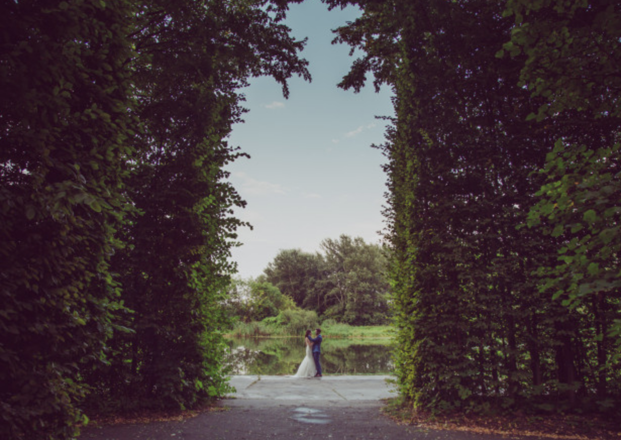 Is An English Country Garden Wedding Right For You?