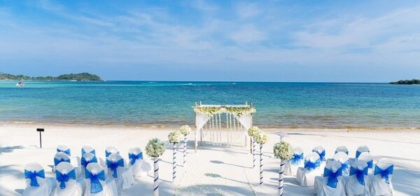 Beach Wedding Destinations of Romantic Seas